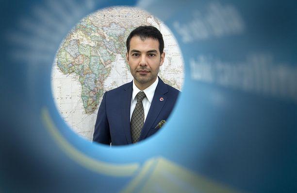Kansanedustaja Hussein al-Taee pahoitteli maanantaina vanhoja puheitaan.