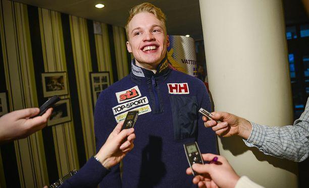 Iivo Niskanen oli perjantaina Falunissa mediahuomion keskipisteessä.