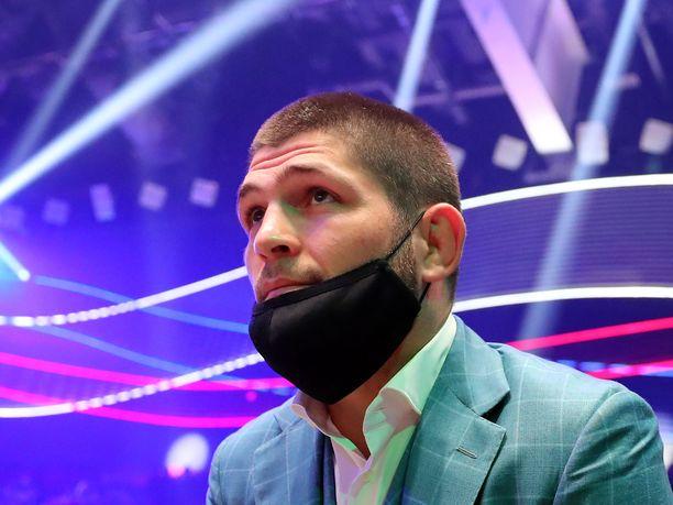 Habib Nurmagomedov astuu auantaina UFC-kehään 13 kuukauden tauon jälkeen.