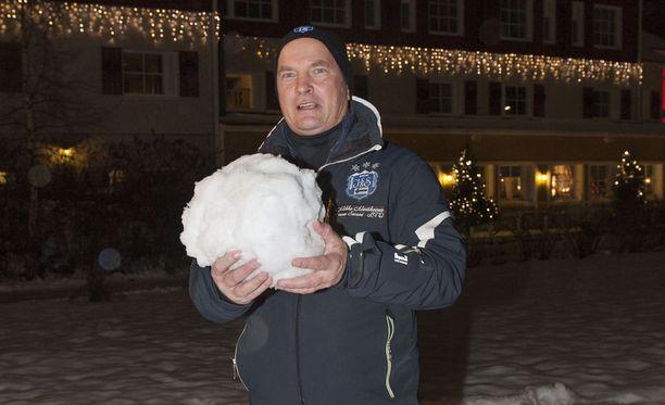 Lumi on keksijä Mikko Martikaisen mielielementti.