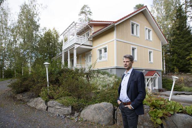 Mörösten talossa on asuinneliöitä vähän yli 200. Janne Mörösen mukaan talo suunniteltiin itselle loppuelämän kodiksi. Ikääntyminenkin on huomioitu.