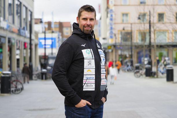 Antti Ruuskanen kertoi torstaina Kuopiossa järjestämässään lehdistötilaisuudessa, että ura jatkuu vielä kauden 2021 ajan.