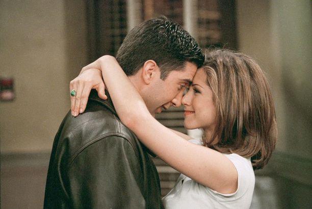 Rachelin ja Rossin (David Schwimmer) rakkaustarina oli Frendien kantava teema kymmenen tuotantokauden ajan.