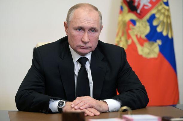Lapsia ei saa nimetä Ruotsissa Venäjän presidentin Vladimir Putinin mukaan niin, että lapsen etunimi olisi Vladimir Putin.