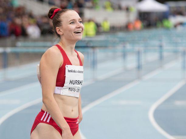 Reetta Hurske voitti SM-kultaa naisten pika-aidoissa.