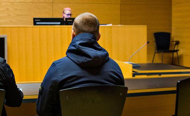 Asema-aukion pahoinpitelystä epäillään 26-vuotiasta Jesse Torniaista.