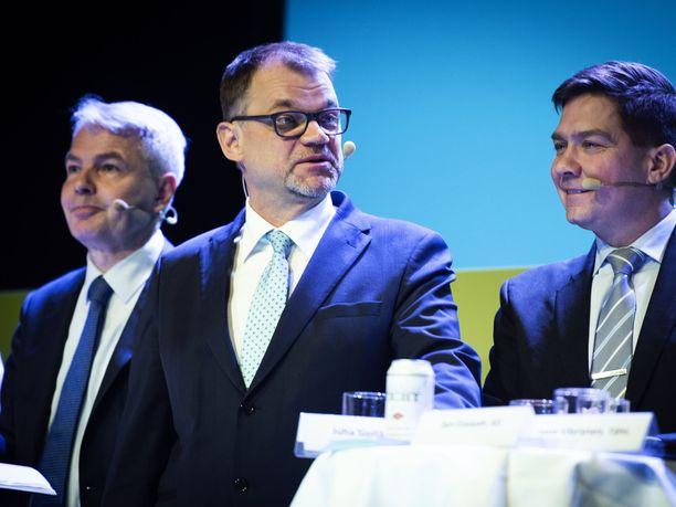 Pääministeri Juha Sipilä (kesk) keräsi eniten leijonia Iltalehden raadilta. MTK:n ja Maaseudun Tulevaisuuden ilmastoaiheiseen tenttiin osallistuivat myös vihreiden puheenjohtaja Pekka Haavisto ja RKP:n eduskuntaryhmän puheenjohtaja Thomas Blomqvist.