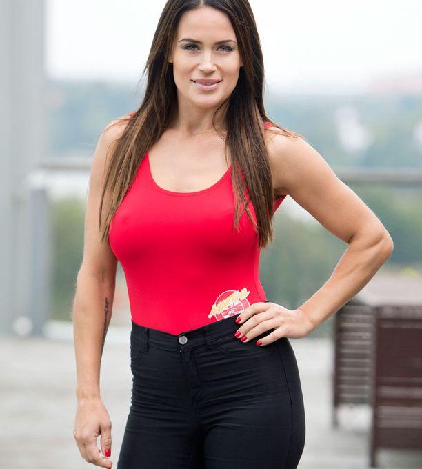 Martina tunnetaan urheilullisena naisena.