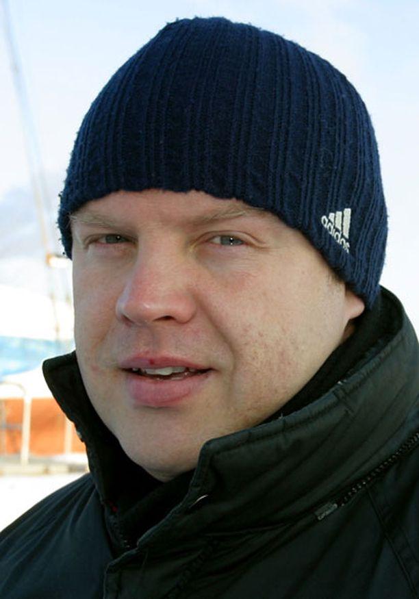 Juuso Pulliainen toimii Jere Karalahden pelaaja-agenttina.
