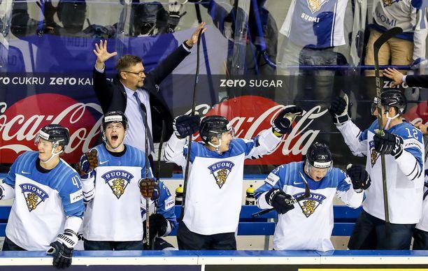 Jukka Jalonen juhli ilman NHL-pelaajia MM-kultaa 2019 Slovakiassa.