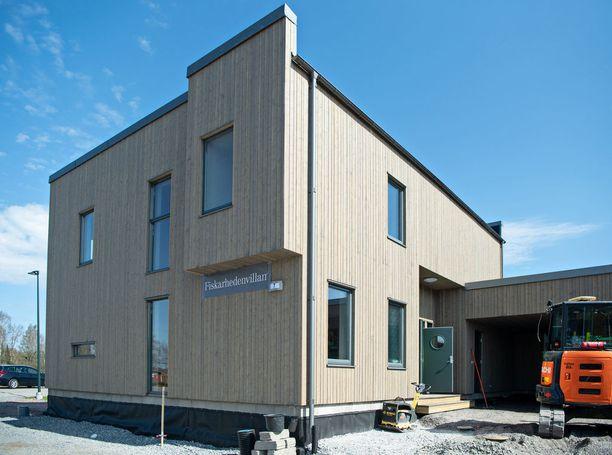 Fiskarhedenvillan Pohjanvalo on näyttävä rakennus.