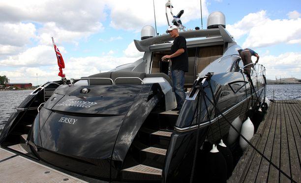 Kimin veneessä komeilevaa Iceman-tekstiä ei muissa paateissa ole.