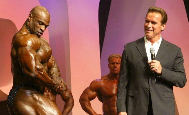 Coleman poseerasi voittoon vuoden 2004 Mr. Olympiassa.