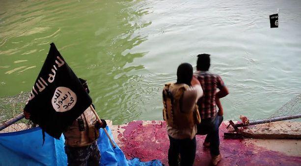 Osa Speicherin uhreista pudotettiin suoraan ampumisen jälkeen Tigris-jokeen.