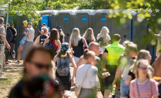 Poliisin tietoon on tullut kaksi epäiltyä raiskausta ja yksi seksuaalinen ahdistelutapaus Ruisrockin festivaalialueelta.