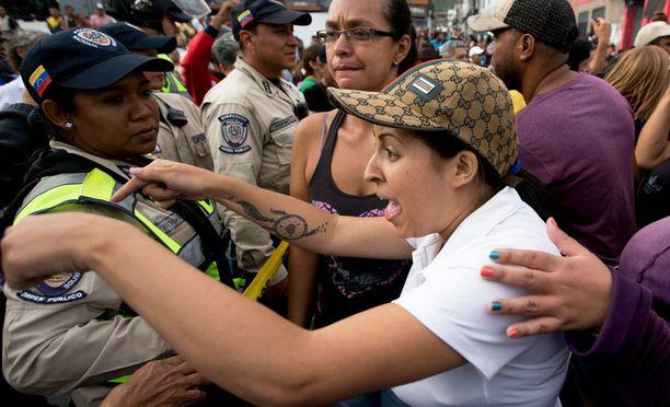 Elintarvikepula on lietsonut useita protesteja.