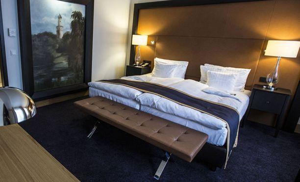 Huonekaveri joutui väistymään Marko Jantusen hotellihuoneessa. Kuvituskuva.
