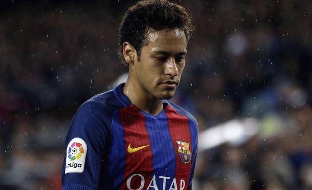 Barcelona joutuu selviämään seuraavat kolme liigaottelua ilman Neymaria.