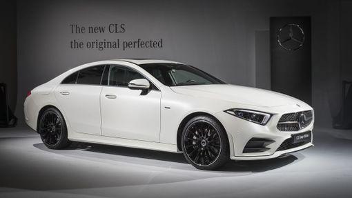 Mercedeksen kolmannen sukupolven CLS on edeltäjäänsä pyöreälinjaisempi.