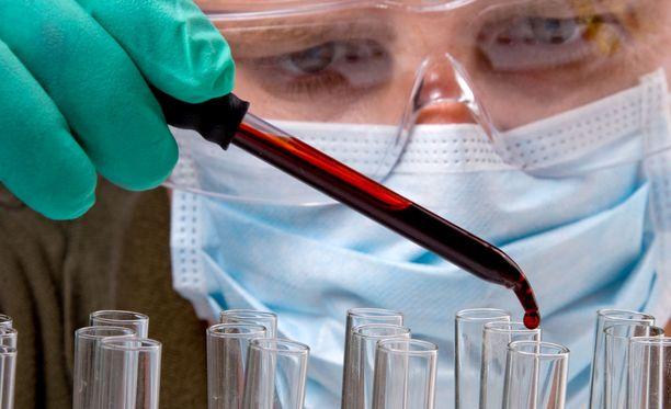 Tutkijat ovat etsineet pitkään hoitoa, joka tehoaisi kaikkiin syöpiin, mutta tuloksetta. Nyt ollaan menossa kohti räätälöityä hoitoa.