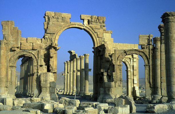 Jo ennen uusia räjäytyksiä Isis on tuhonnut kaksi vanhaa, historiallisesti arvokasta temppeliä Palmyrassa.