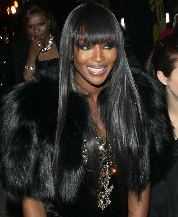 Konkarimalli Naomi Campbellia muistettiin erikoispalkinnolla.