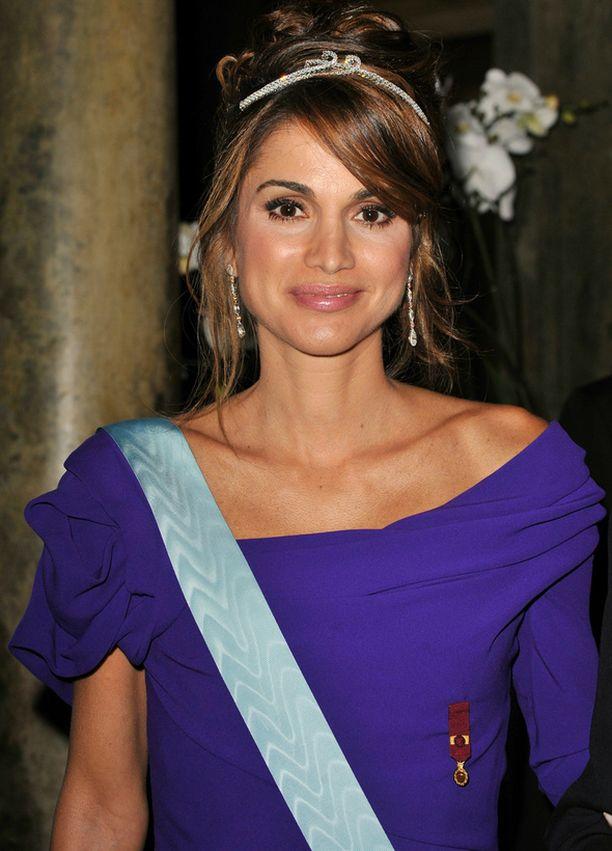 Kuningatar Rania tunnetaan hyväntekeväisyystyöstään.