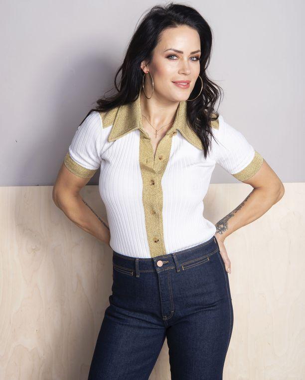 Martina Aitolehti tunnetaan entisenä missinä, salarakkaana, tosi-tv-tähtenä ja hyvinvointiyrittäjänä.