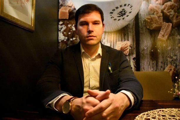 – Olen pitkälle suomalaistunut suomalaisen erikoislääkärikoulutuksen saanut venäläistä alkuperää oleva virolainen, sanoo Sergei Iljukov sujuvalla suomella.
