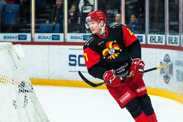 Petri Kontiola istui katsomossa kauden viimeiset kaksi ottelua.