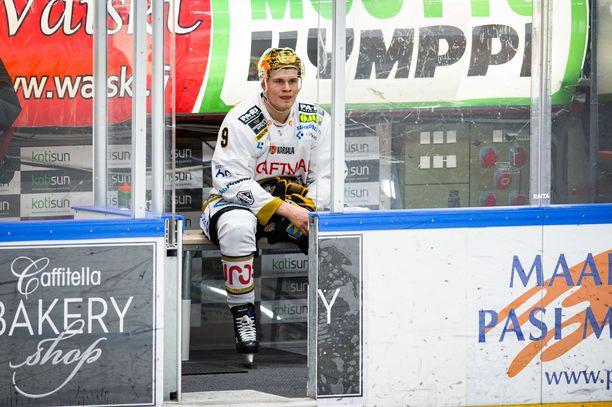 Jesse Puljujärvi  määrättiin Hippoksella boksiin.