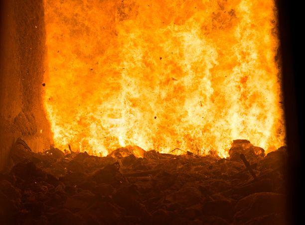 Jätteet poltetaan arinapolttotekniikalla. Se on maailmanlaajuisesti käytetyin jätteenpolttotekniikka.