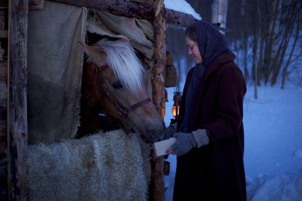 Elokuvan pääosaa näyttelee Oona Airola.
