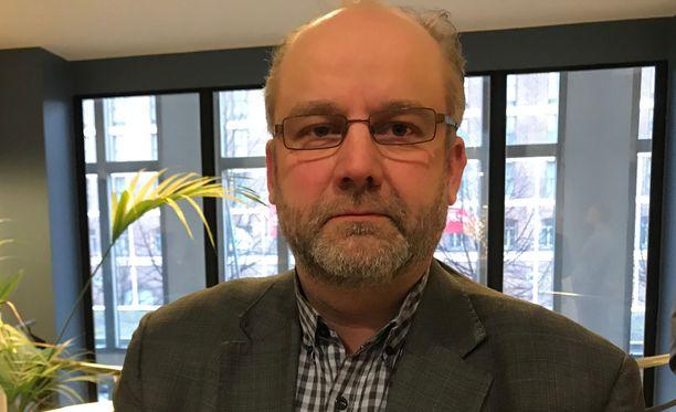SAK:n nykyinen hallintojohtaja, AKT:n ex-puheenjohtaja Marko Piirainen.