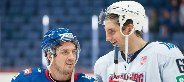 Oskar Osala voitti, Petr Koukal ei. Miehet pelasivat viime kauden alussa Neftehimikin hyökkäyksessä.