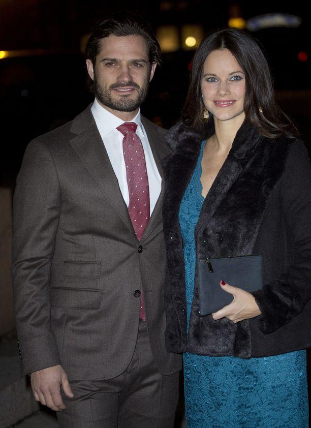 Carl Philip ja Sofia kävivät kuuntelemassa joulukonserttia Kustaa Vaasan kirkossa Tukholmassa. Konsertissa esiintyi myös viulisti Linda Lampenius.