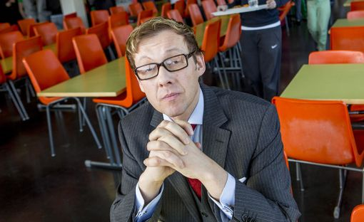 Sylvään koulun rehtori Jari Andersson on hyvin huolissaan nuorten huumeidenkäytöstä. Arkistokuva.