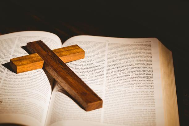 64-vuotias pappi kertoi teostaan seurakunnalleen sunnuntain jumalanpalveluksessa.