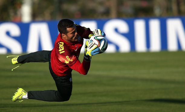 Julio Cesar Brasilian joukkueen harjoituksissa Rio dde Janeirossa alkuviikosta.
