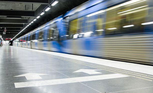 Törmänneet junat olivat todennäköisesti ainakin osittain maan alla kulkevia junia. Kuvituskuva.
