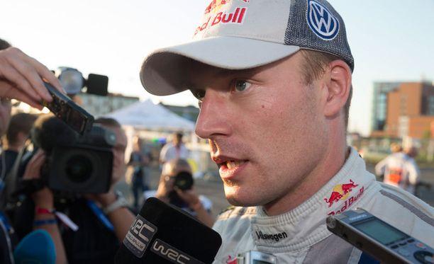 Jari-Matti Latvalan ralli alkoi Ruotsissa onnettomasti.