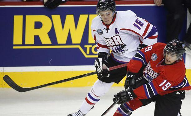 Jake Virtanen (vas.) on yksi tulevan draftin kuumimpia nimiä.
