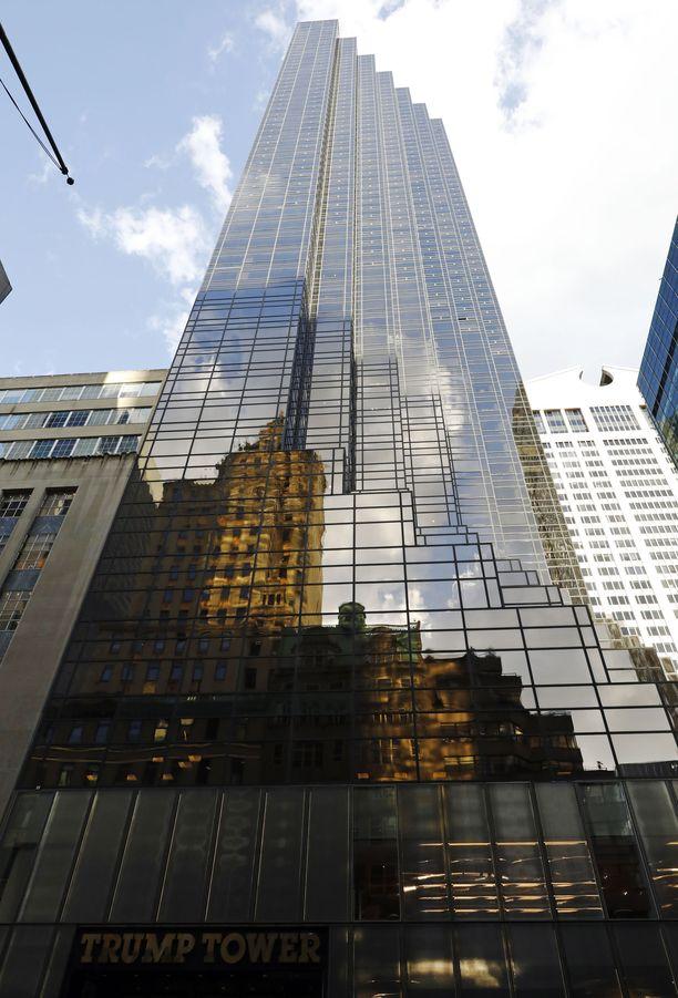 Trump Tower on 202 metrin korkuinen.