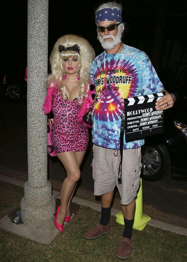 Fergie ja Josh Duhamel saapuivat Halloween-bileisiin Angelyne ja Dennis Woodruffiksi pukeutuineina.