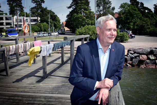 SDP:n puheenjohtaja Antti Rinne myöntää puolueensa tehneen gallupsuosioon vaikuttaneita virheitä.