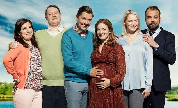 Onnela on Suomen Solsidan, jossa ovat keskiössä kolme poutaniemeläistä pariskuntaa: Titta ja Jorma, Antti ja Saara sekä Mette ja Markus.