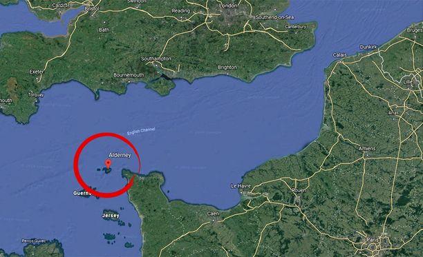 Salaa kuljettanut kone katosi noin 20 kilometriä Alderneyn saaren pohjoispuolella.