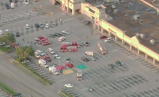 Ammuskelu tapahtui ostoskeskuksen parkkipaikalla.