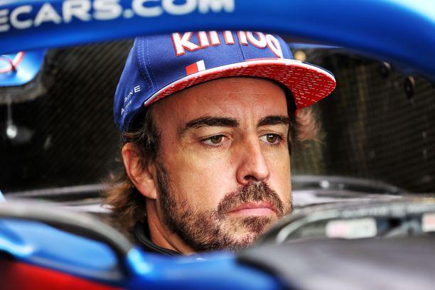 Fernando Alonso palasi täksi kaudeksi takaisin F1-karkeloihin.
