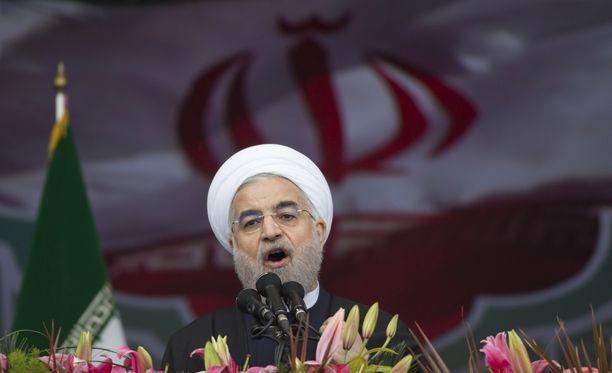 Rauha Iranin kanssa olisi kaikkien rauhojen äiti ja sota Iranin kanssa kaikkien sotien äiti, sanoi Iranin presidentti Hasan Ruhani sunnuntaina.